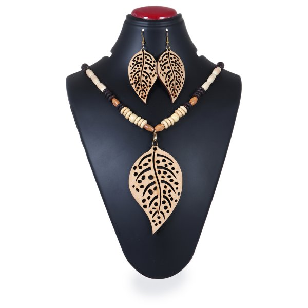 Big Leaf Shape Wooden Pendant Set